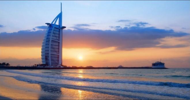 Due cuori a Dubai. A Natale regala una crociera